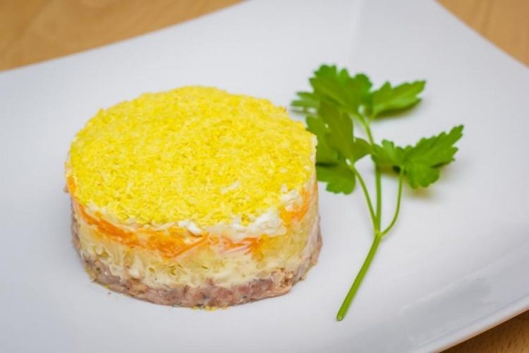 Салат под мимоза